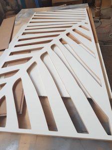 frezowanie panelu na wzór palmy