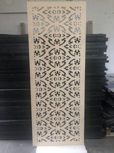frezowanie cnc sklejki jako panelu dekoracyjnego