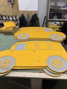 Plac zabaw Samochodziki frezowane w płycie z polietyleny na place zabaw
