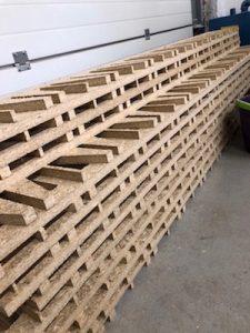 Konstrukcja grzebieniowa podłogi z frezowanych płyt OSB